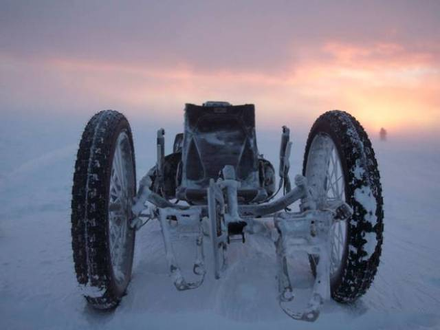whiteicecycle3